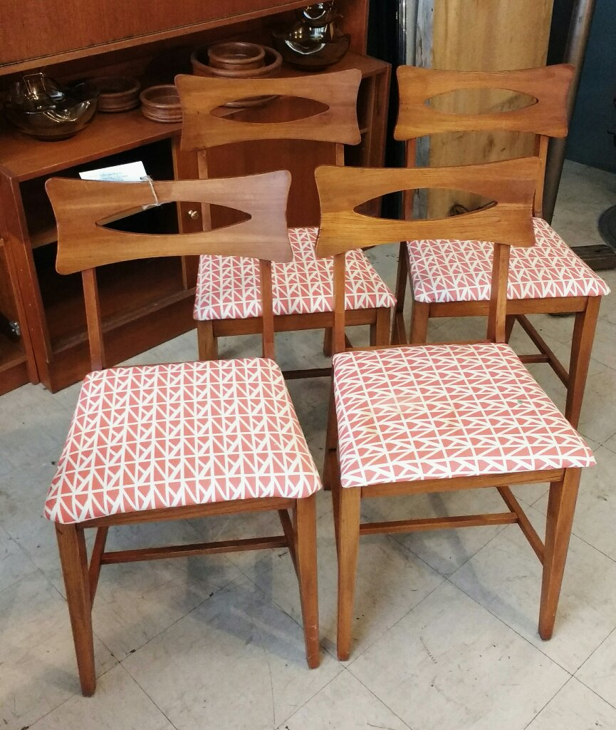 SOLD Set Of 4 Mid Century Modern Walnut Dining Chairs Manufactured By Canadian Furniture Company Knechtel In Hanover Ontario Model Number 4023