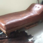 FAINTING COUCH DOCTORS COUCH LOUNGER